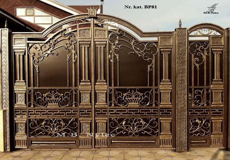 brama pełna z kolumnami bp81